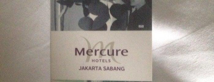 Hotel Mercure Jakarta Sabang is one of Tempat yang Disukai Remy Irwan.