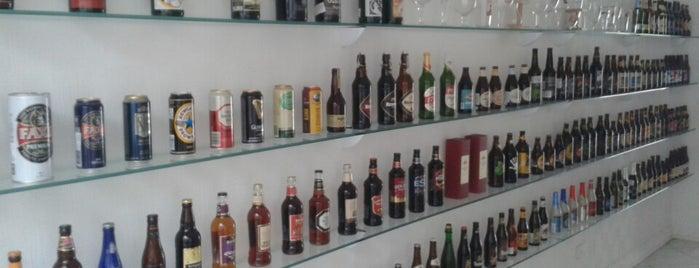 Com Cerveja - Empório de Cervejas Especiais is one of Leandroさんのお気に入りスポット.