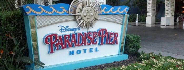 Disney's Paradise Pier Hotel is one of Lieux qui ont plu à Mike.