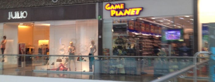 Game Planet is one of Lieux qui ont plu à Jose.