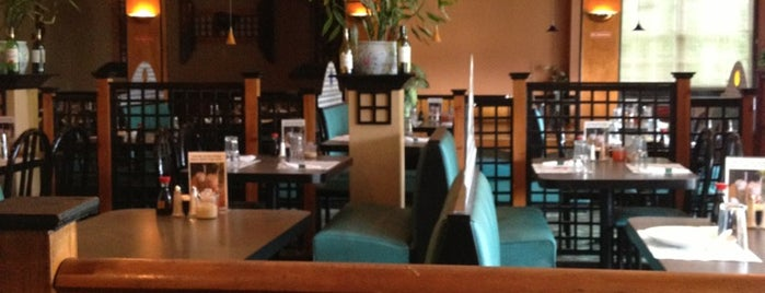 Dynasty Restaurant is one of Tempat yang Disukai Jeff.
