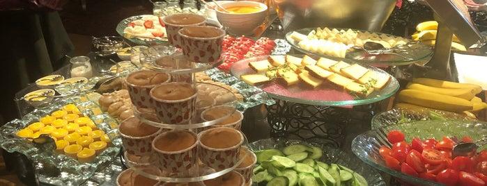 Pera Palace Hotel Jumeirah is one of Orte, die Fatos gefallen.