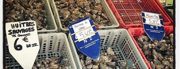 Marché aux huîtres is one of สถานที่ที่ Artem ถูกใจ.