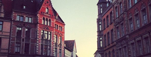 Broyhanhaus Hannover is one of Özgür Serkan : понравившиеся места.