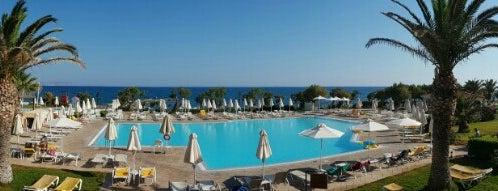 Poseidon Pool Bar is one of สถานที่ที่ Dmitry ถูกใจ.