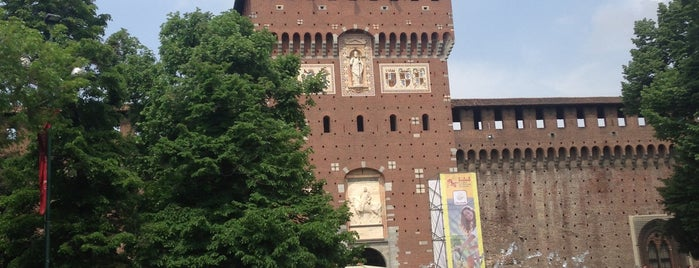 Castello Sforzesco is one of Go Ahead, Be A Tourist.