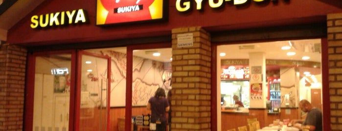 Sukiya is one of Restaurantes :).
