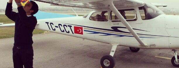 Türk Hava Kurumu Üniversitesi is one of 🆉🅴🆈🅽🅴🅻'ın Kaydettiği Mekanlar.
