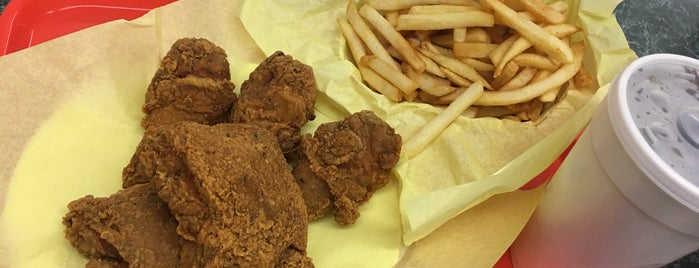 Louisiana Famous Fried Chicken is one of Mohammed's Liked Places.