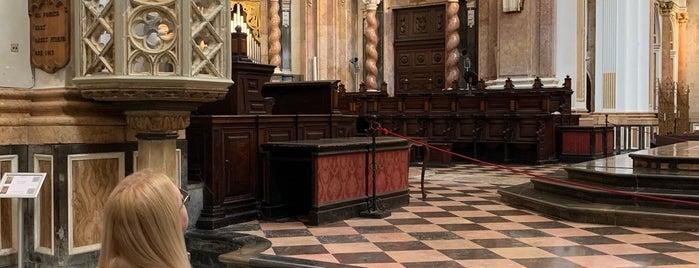 Catedral de Valencia is one of Posti che sono piaciuti a Irina.