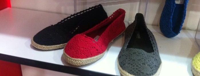 famous shoes is one of Locais curtidos por Spiridoula.
