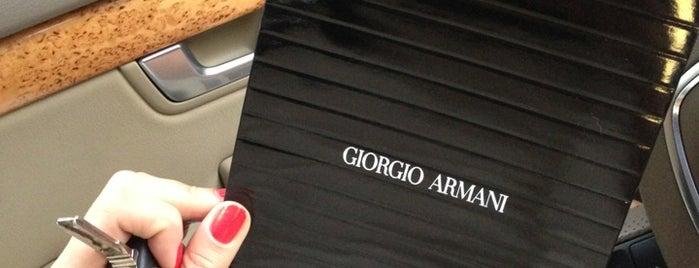 Giorgio Armani is one of Orte, die Gabriella gefallen.