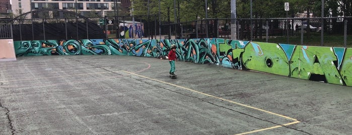Skate Board Park is one of Downtown Jersey City Explorations.