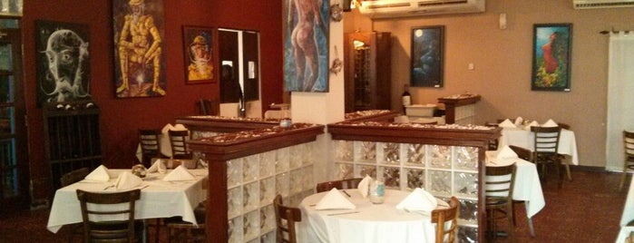 Bahia's Restaurant is one of Locais salvos de Roberto J.C..