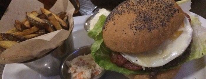Peter's Burger Pub is one of Ms. Johnson : понравившиеся места.