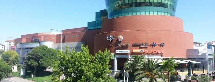 Olivium Outlet Center is one of Istanbul Avm Tam Listesi.
