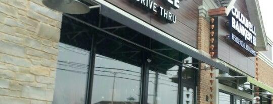 Starbucks is one of Lieux qui ont plu à Chaya.