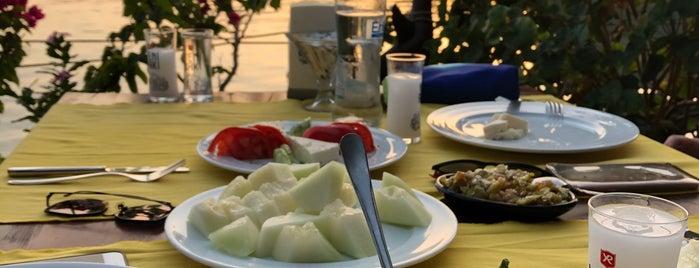Gel Gör Balık Restoran is one of Lieux sauvegardés par Esad.