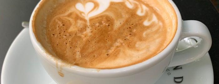 Bond Coffee Co. is one of สถานที่ที่บันทึกไว้ของ Ceren.
