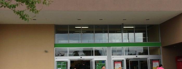 Walmart Neighborhood Market is one of Tempat yang Disukai Lulu.