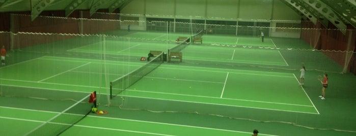 The Riverside Health & Racquet Club is one of StJohn 님이 좋아한 장소.
