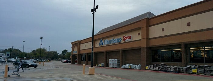Albertsons is one of Russ's Liked Places.