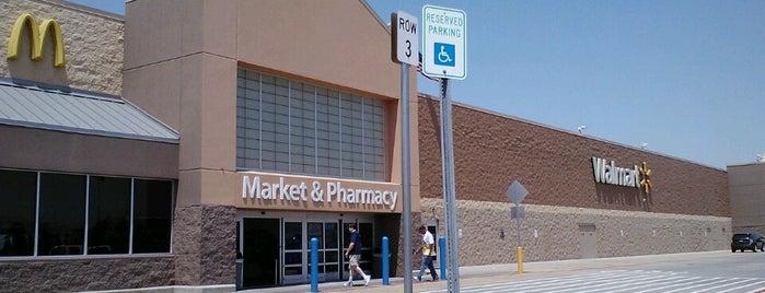 Walmart Supercenter is one of Kamila 님이 좋아한 장소.