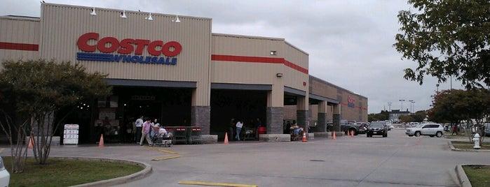 Costco is one of สถานที่ที่ Lea ถูกใจ.