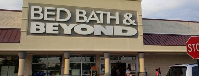 Bed Bath & Beyond is one of Lugares favoritos de Stuart.