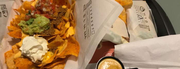 Taco Bell is one of Orte, die Káren gefallen.