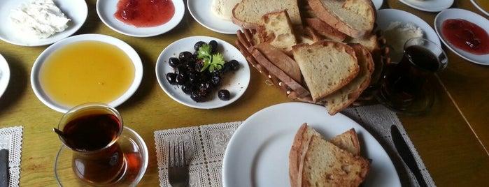 Gökdere Tesisleri Köy Kahvaltısı is one of Locais salvos de Gulseren.