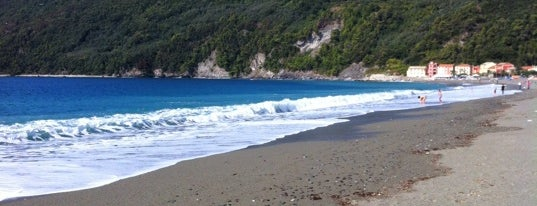 Spiaggia di Riva Trigoso is one of √ Best Free-Beaches in Liguria.