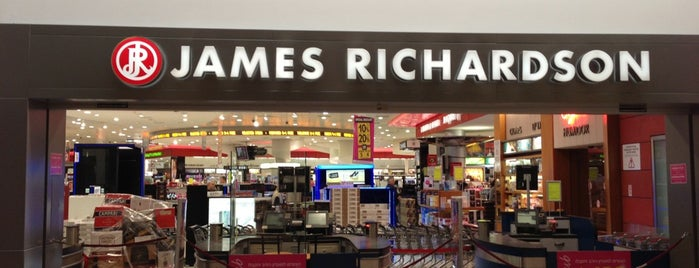 James Richardson Duty Free is one of Pelinさんのお気に入りスポット.