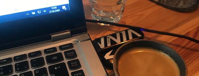 Raw Coffee is one of Eskişehir.