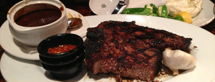 LongHorn Steakhouse is one of Lugares favoritos de Italian.