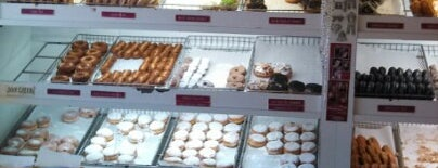 Peter Pan Donut & Pastry Shop is one of doughnuts..