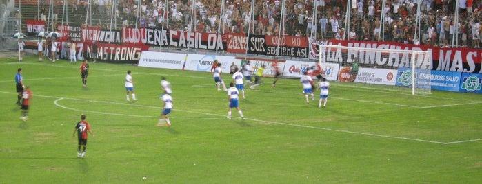 Estadio Marcelo Bielsa (Club Atlético Newell's Old Boys) is one of Orte, die Alejandra gefallen.