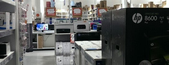 Officeworks is one of Posti che sono piaciuti a Victoria.