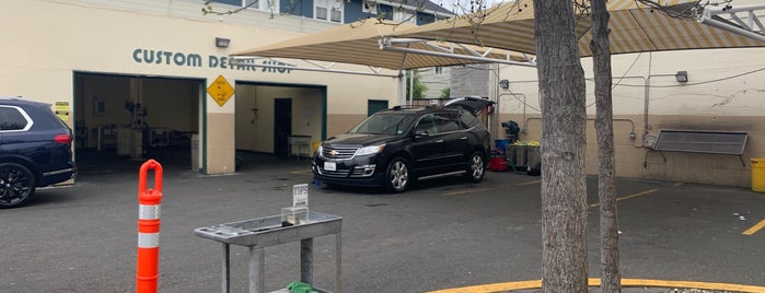 Ducky's Car Wash - San Mateo is one of Adam 님이 좋아한 장소.