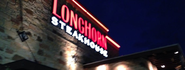 LongHorn Steakhouse is one of Jen'in Beğendiği Mekanlar.