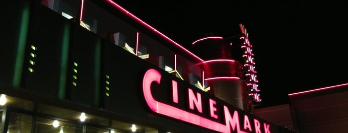 Cinemark at Valley View and XD is one of Tempat yang Disukai Melanie.
