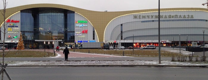 ТЦ «Жемчужная Плаза» is one of TOP-100: Торговые центры Санкт-Петербурга.