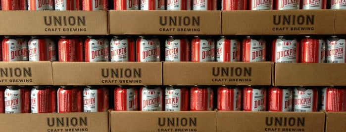 Union Craft Brewing is one of Locais curtidos por Cole.