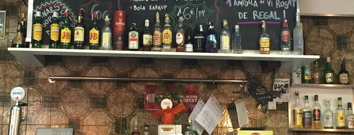 Bar Resolís is one of Vermut.