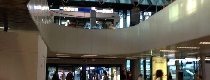 """Flughafen Rom-Fiumicino """"Leonardo da Vinci"""" (FCO) is one of Rome."""