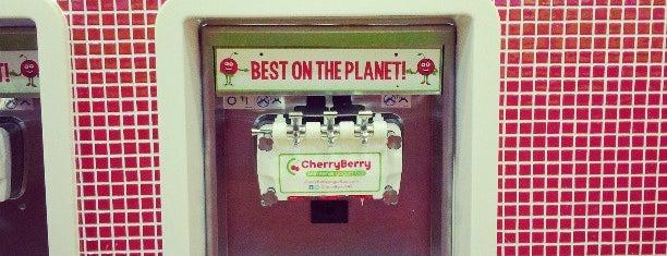 CherryBerry Self-Serve Frozen Yogurt Bar is one of Lugares favoritos de Sarah.