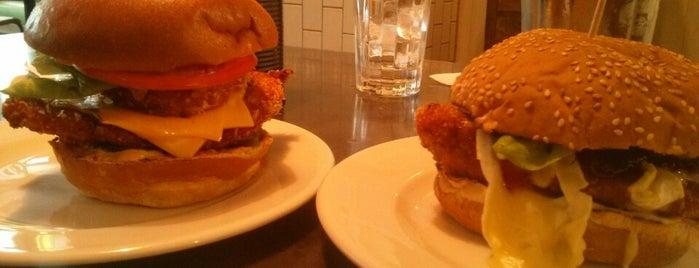 Gourmet Burger Kitchen is one of สถานที่ที่ S ถูกใจ.