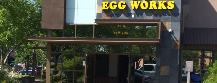 Egg Works is one of Lugares favoritos de Stephanie.