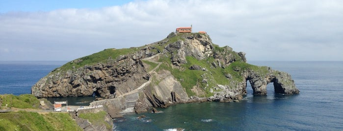 Ermita de San Juan de Gaztelugatxe is one of Far Far Away.