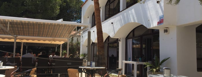 LB21 restaurant is one of Orte, die Roger gefallen.